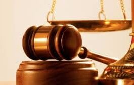 Woman docked for injuring neighbour with razor blade